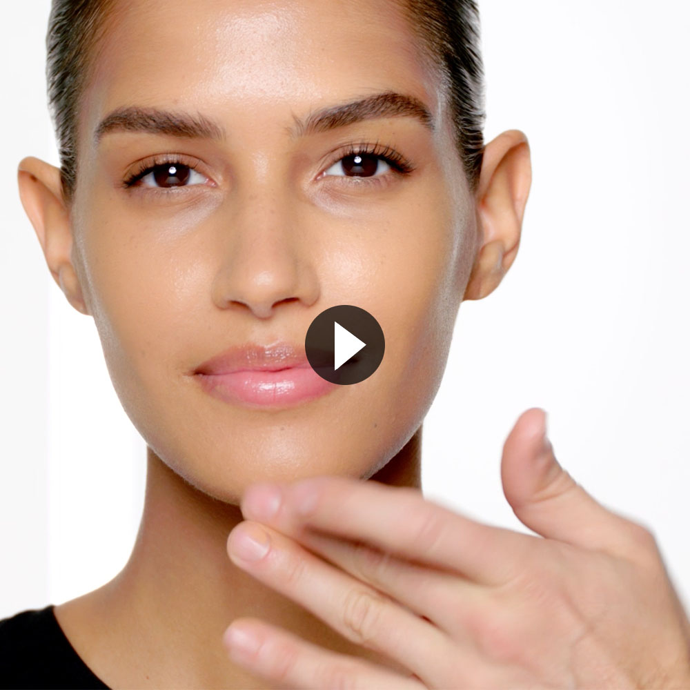 THE HOW-TO: NATURAL RADIANT LONGWEAR FOUNDATION